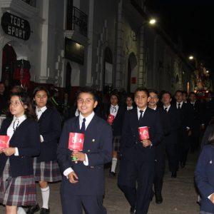 procesión con faroles niños