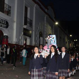 procesión con faroles virgen
